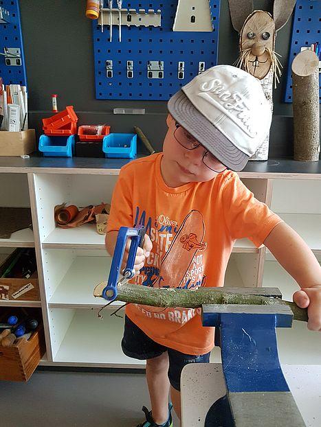 Die Funktionsräume wie Werkstatt, Atelier, Forscherlabor und Bewegungsraum bieten den Kindern im Haus viele Möglichkeiten, sich gruppenübergreifend und nach eigenen Interessen weiterzuentwickeln.