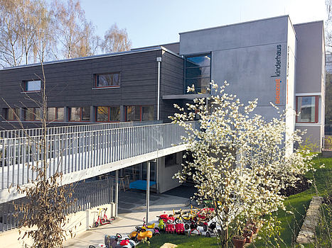 Nach zwei Jahren Umbau-Zeit bietet Seezeit Studierendenwerk Bodensee mit dem neuen Seezeit Kinderhaus studierenden Eltern in Uni- und Hochschulnähe eine optimale Betreuung für bis zu 80 Kinder.